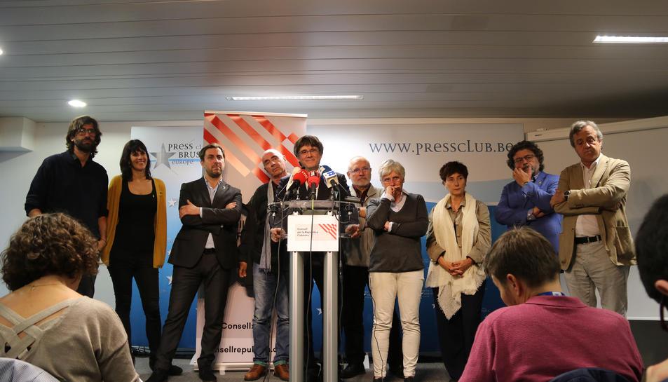 Representants del Consell per la República i el seu president Carles Puigdemont durant una roda de premsa a Brussel·les.