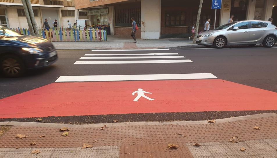 Imatge del nou disseny de pas de vianants, que s'ha instal·lat a la riera d'Aragó.