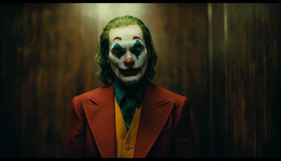 Un moment del film 'Joker', protagonitzada per Joaquín Phoenix.