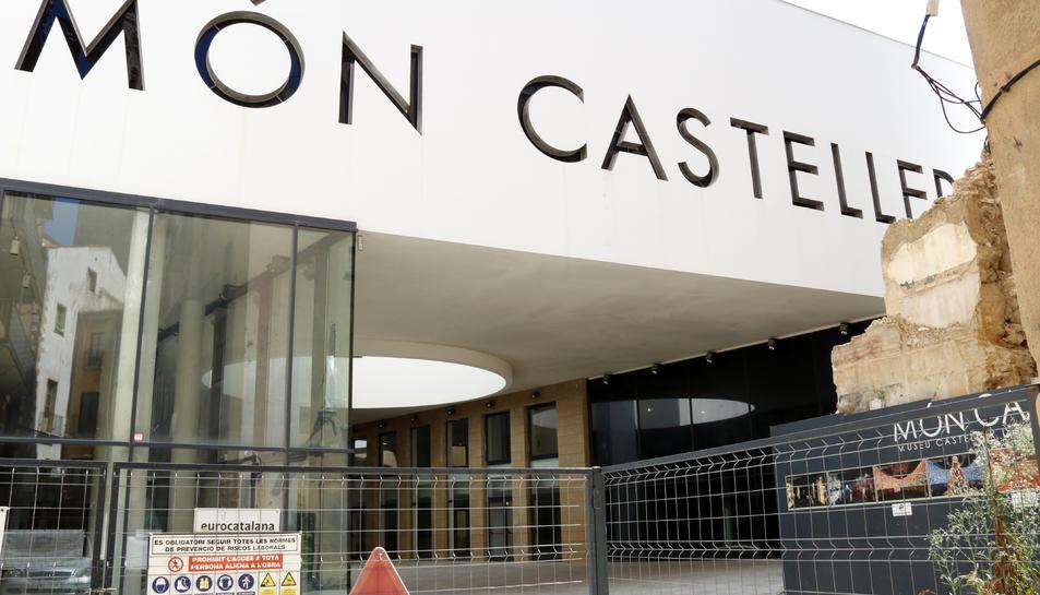 La façana del Museu Casteller de Catalunya a Valls en  una imatge de principi de setembre del 2019.
