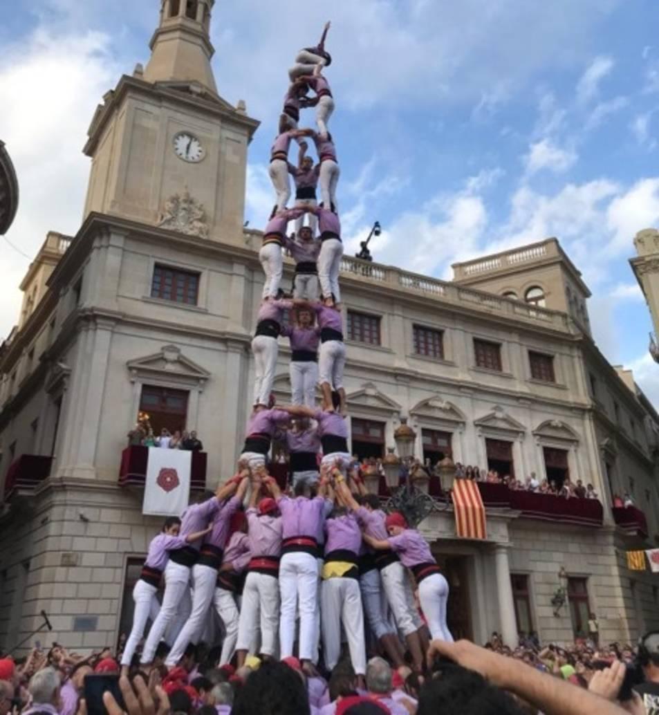 El 3 de 9 amb folre de la Colla Jove Xiquets de Tarragona.