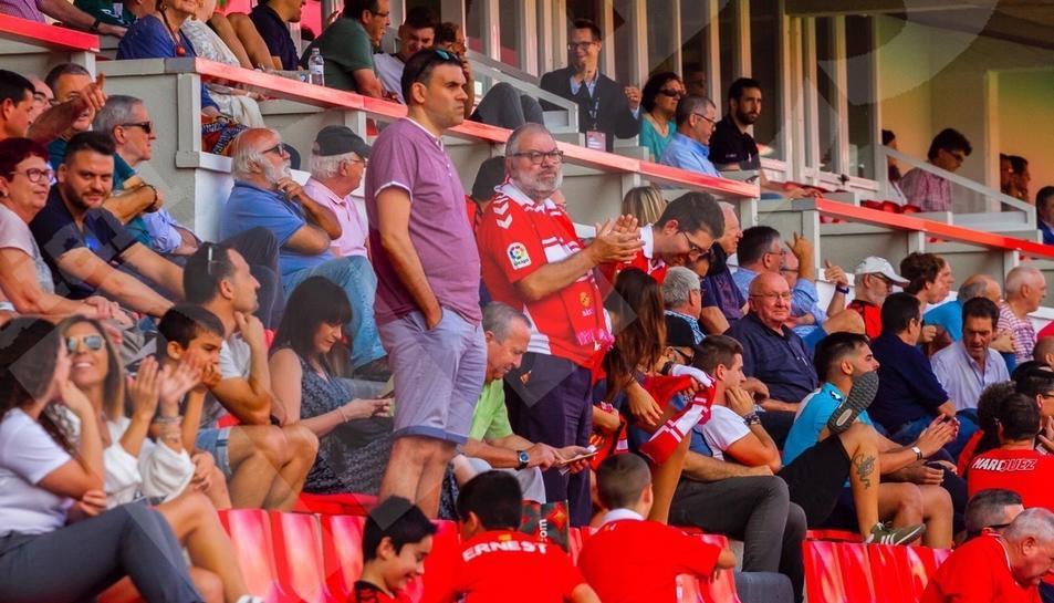 L'afició, durant el Nàstic-Castellón (2)