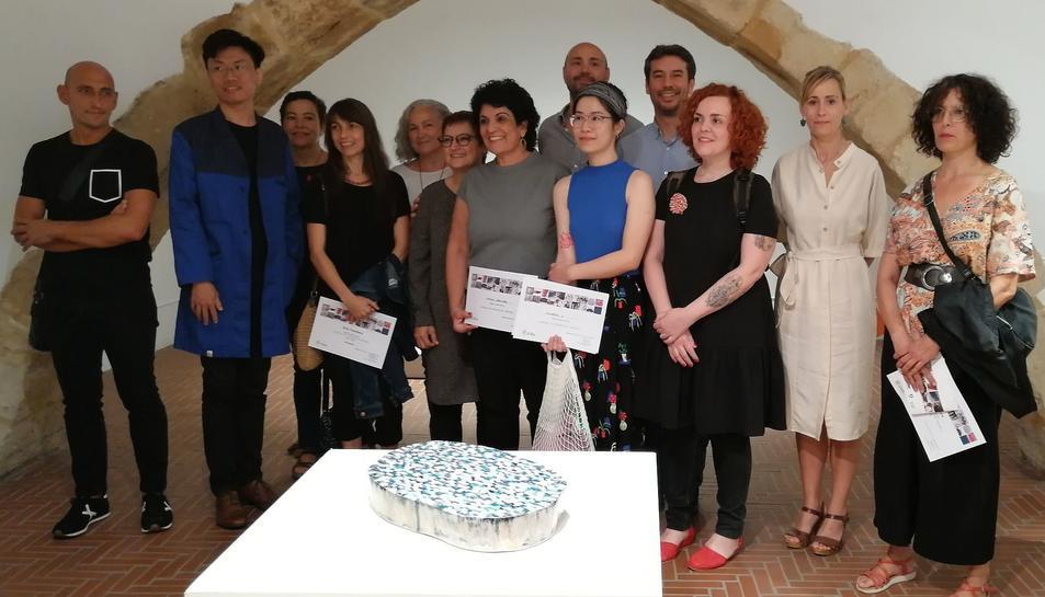 Imatge dels premiats a la X Biennal de Ceràmica.