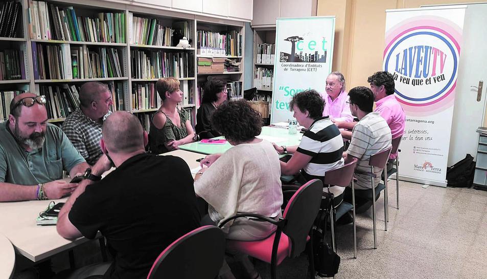Membres de la CET i representants del sector de la salut que van participar en la trobada.