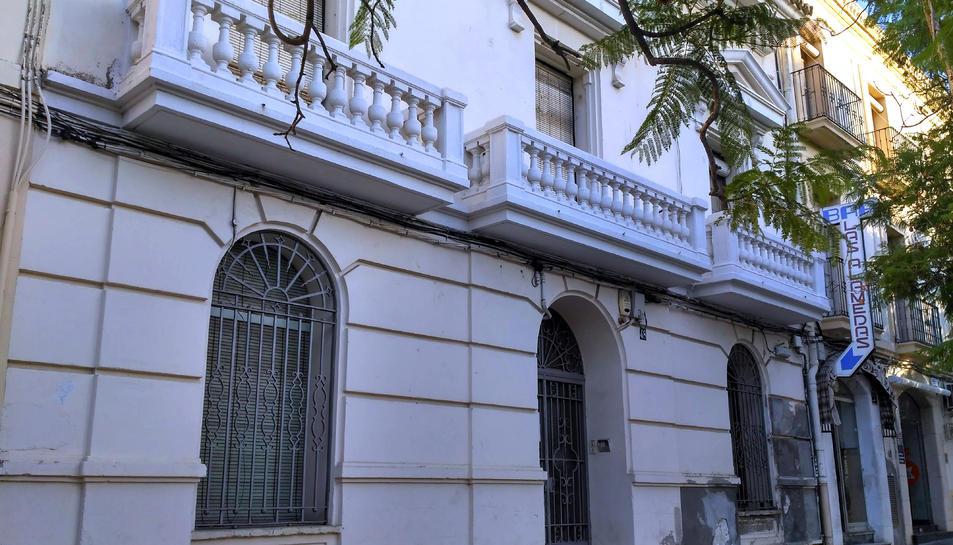 Imatge de l'edifici de les Duanes de Sant Carles de la Ràpita.