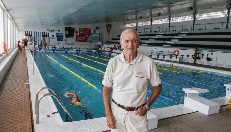Pitu Casanovas a la piscina del CN Reus Ploms, del qual en va ser president dotze anys.