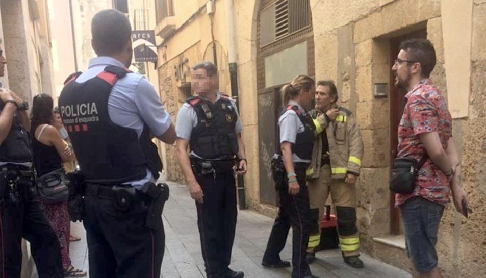 Els Mossos d'Esquadra intervenint per un incident a la Part Alta de Tarragona.