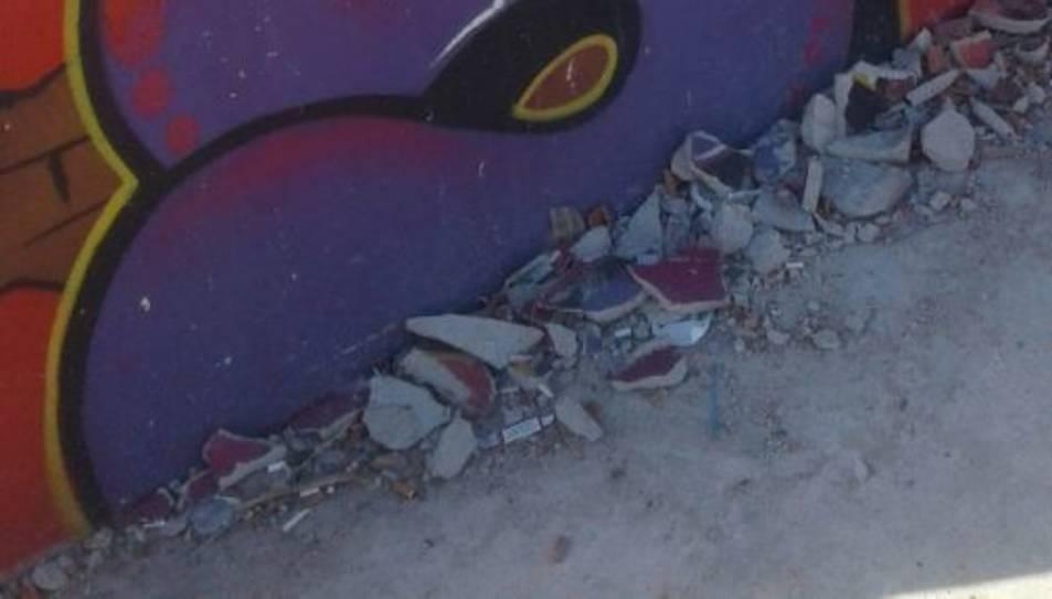 Part de la paret de la pista s'ha desprès.