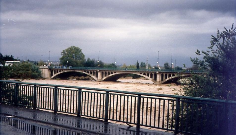 Algunes de les imatges més impactants que va deixar el desbordament del Francolí la tardor del 1994.