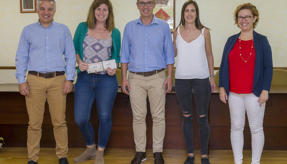 Imatge de l'acte d'entrega dels premis del Concurs d'Instagram de la Festa Major d'estiu de Constantí.