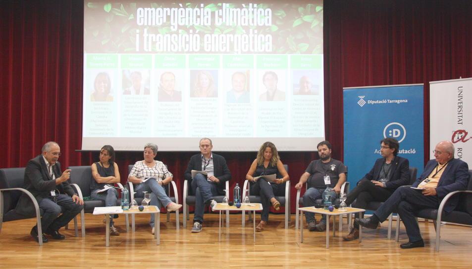Una de les taules rodones que s'han fet durant les jornades 'Emergència climàtica i transició energètica' a la URV.