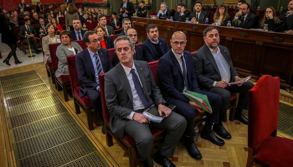 Els encausats de l'1-O, al centre de la sala del Suprem el 12 de febrer del 2019.