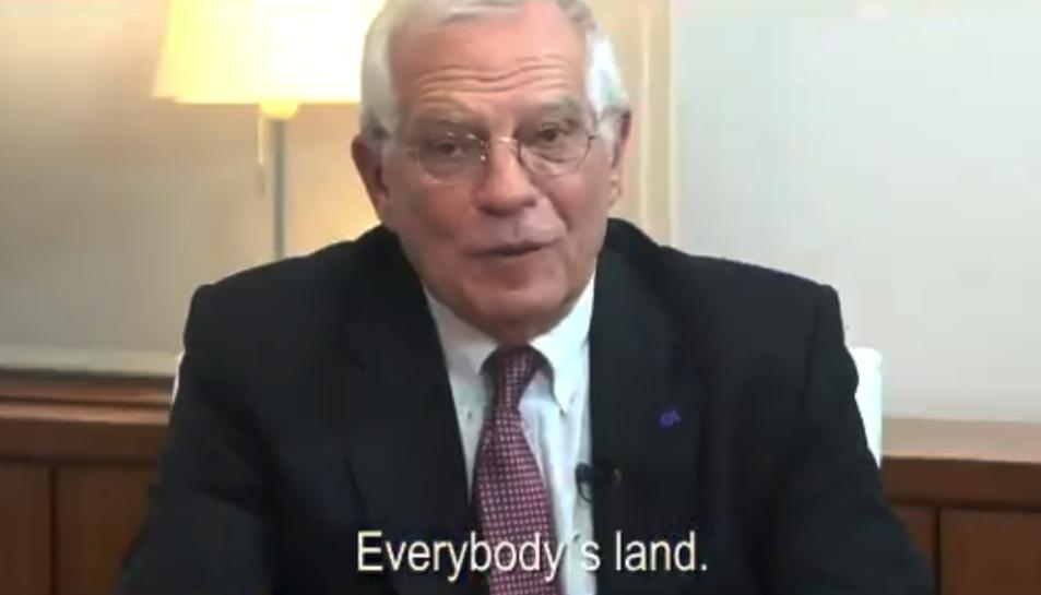 Imatge d'un instant de la campanya en què intervé Josep Borrell.