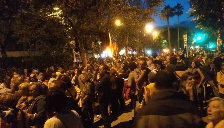Els manifestants es mouen per Reus