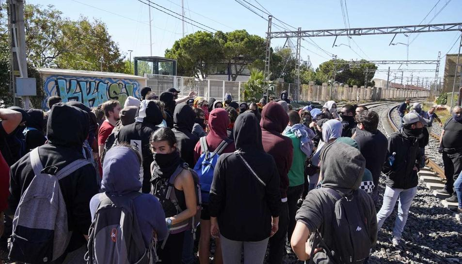 Manifestants, a l'estació