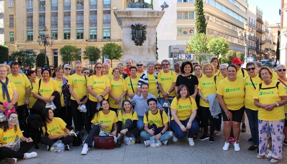 Imatge dels participants a la caminada.