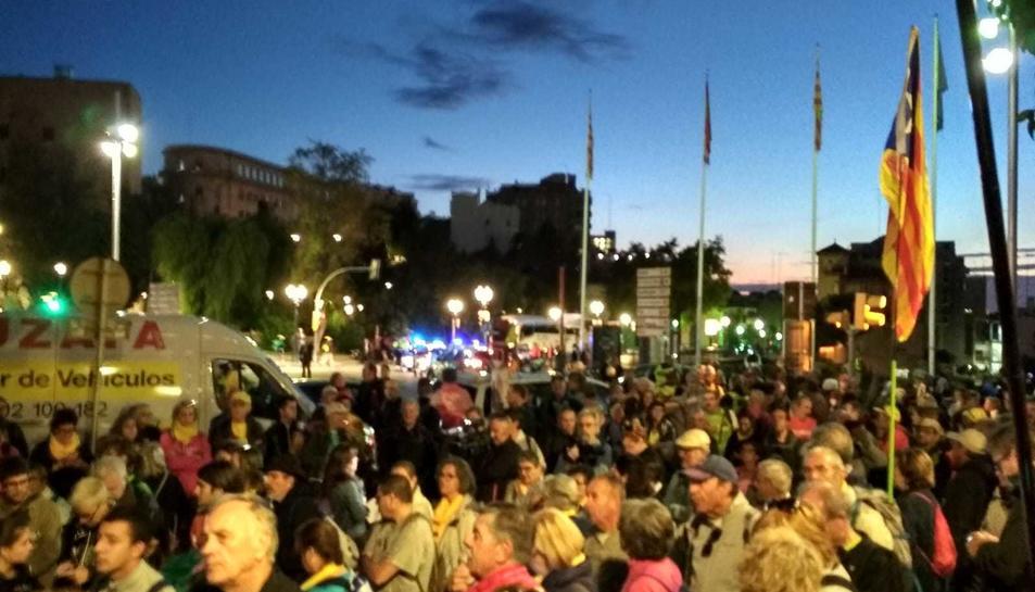 Els participants a la Marxa per la Llibertat s'han concentrat al Passeig de les Palmeres.