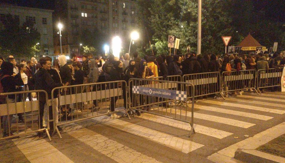 La marxa s'ha detingut davant la comissaria de la Policia Nacional.