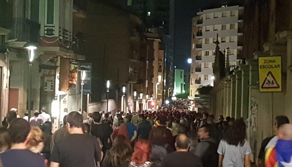 Els manifestants tornant a la plaça Imperial Tarraco.