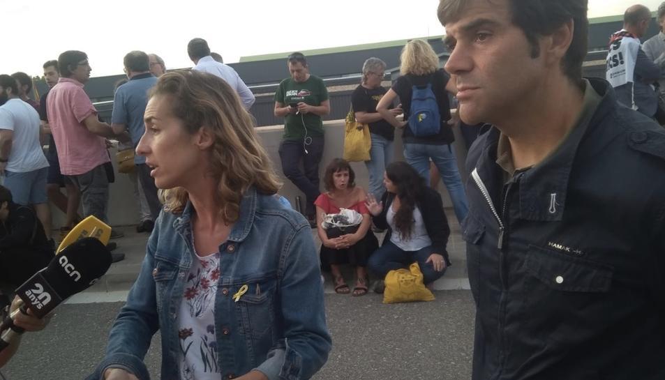 Els regidors tarragonins Dídac Nadal (Junts) i Laia Estrada (CUP) a Mas Enric.