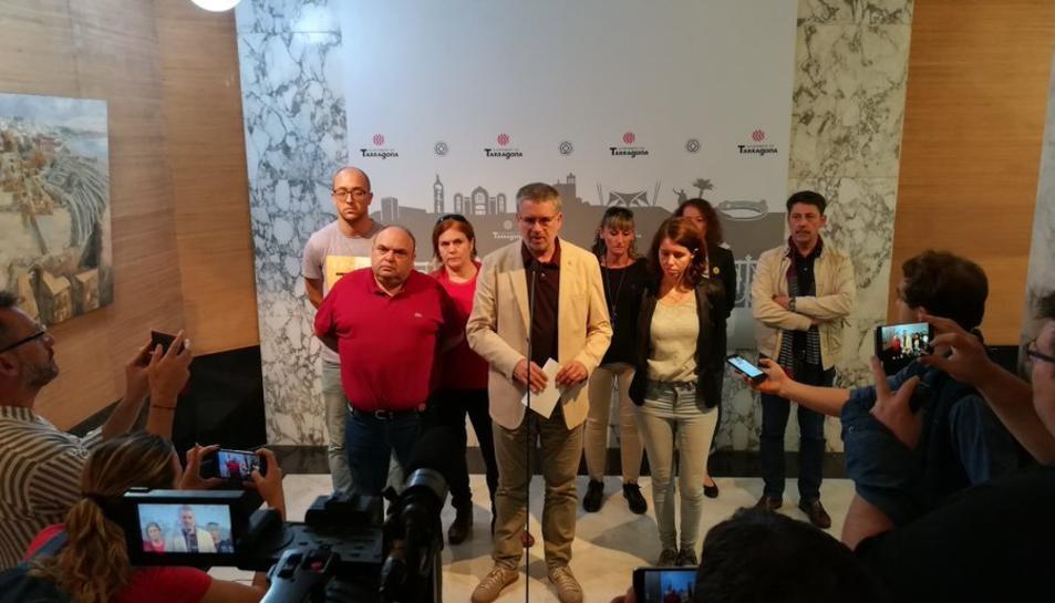 Imatge de la compareixença de Pau Ricomà i l'equip de govern.