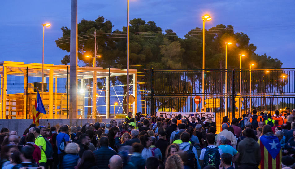 A l'arribada de la marxa a Mas d'Enric, la concentració va comptar amb uns 700 manifestants.
