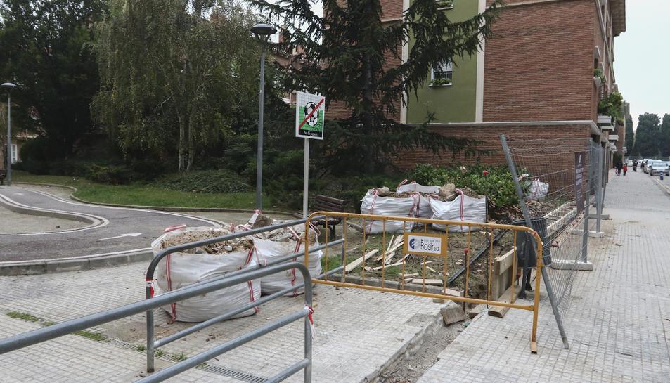 El estado actual de las obras a la plaza del Séquito Festivo.