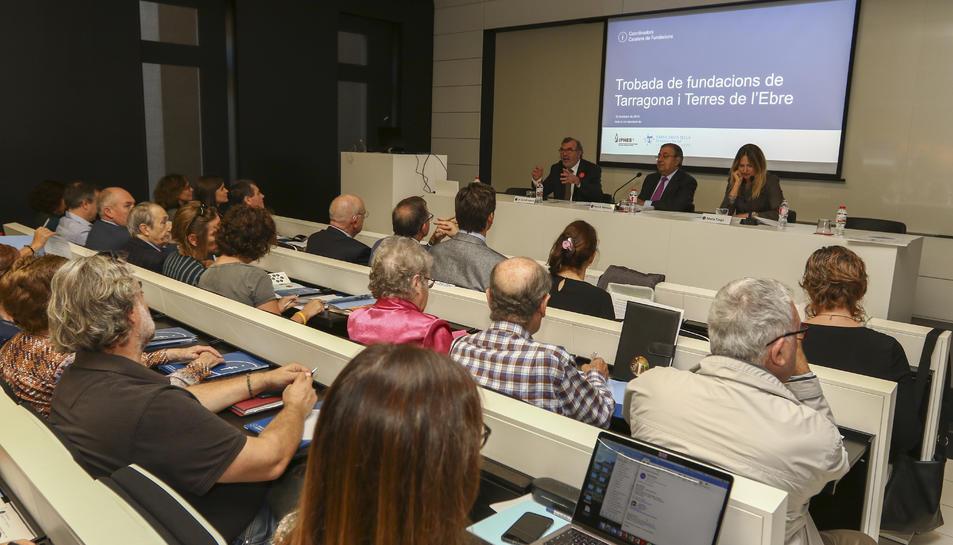 La trobada va reunir un important nombre de representants de fundacions d'arreu Catalunya.