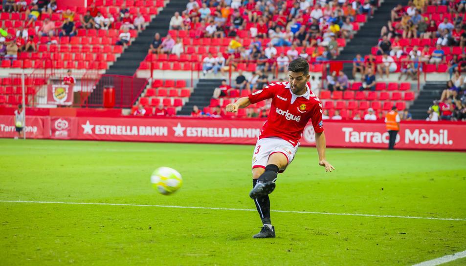 Javi Bonilla s'ha convertit en imprescindible, ja que la seva cama esquerra és responsable de molts dels gols del Nàstic.