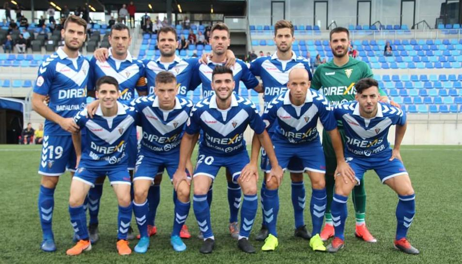 Un onze del CF Badalona, equip que s'enfrontarà al Gimnàstic de Tarragona aquest diumenge a les cinc de la tarda.
