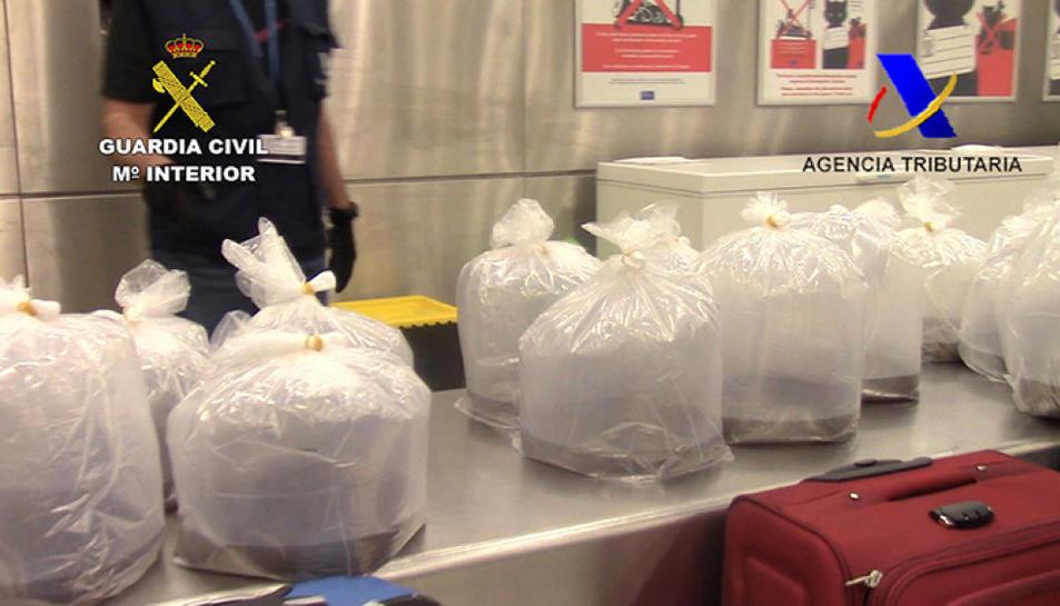 Imatge d'arxiu d'unes bosses amb angules vives que va inerceptar la Guàrdia Civil.