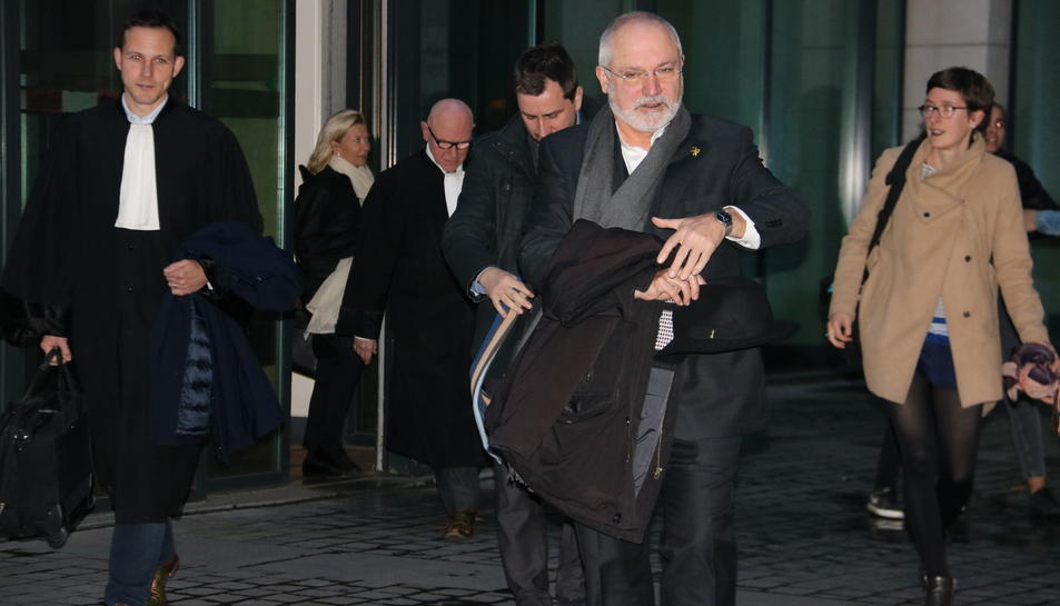 Els exconseller Lluís Puig i Toni Comín sortint després de la compareixença davant del jutge el 7 de novembre.