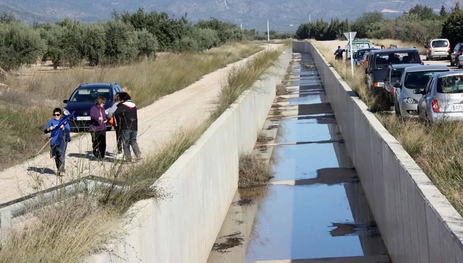 Imatge del canal Xerta-Sénia al seu pas pel terme municipal de Roquetes (Baix Ebre)