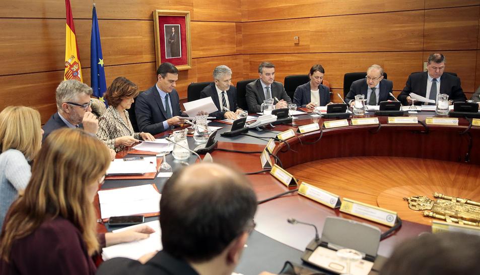 Pedro Sánchez, presidint la comissió de seguiment sobre la situació a Catalunya.