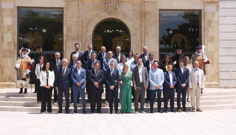 Foto de família dels diputats que formen part de la Diputació de Tarragona en l'actual mandat.
