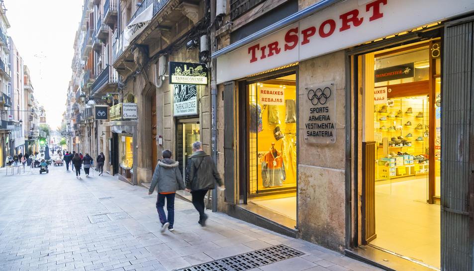 La botiga Tir Sport, ubicada al número 3 del carrer Comte de Rius, a Tarragona.