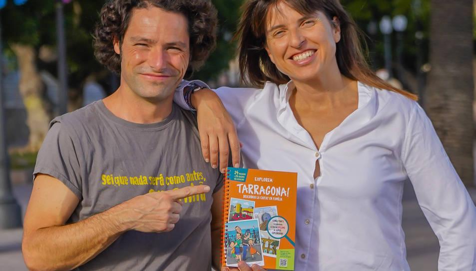 Armand i Cristina Serret, il·lustrador i autora de la Guia.