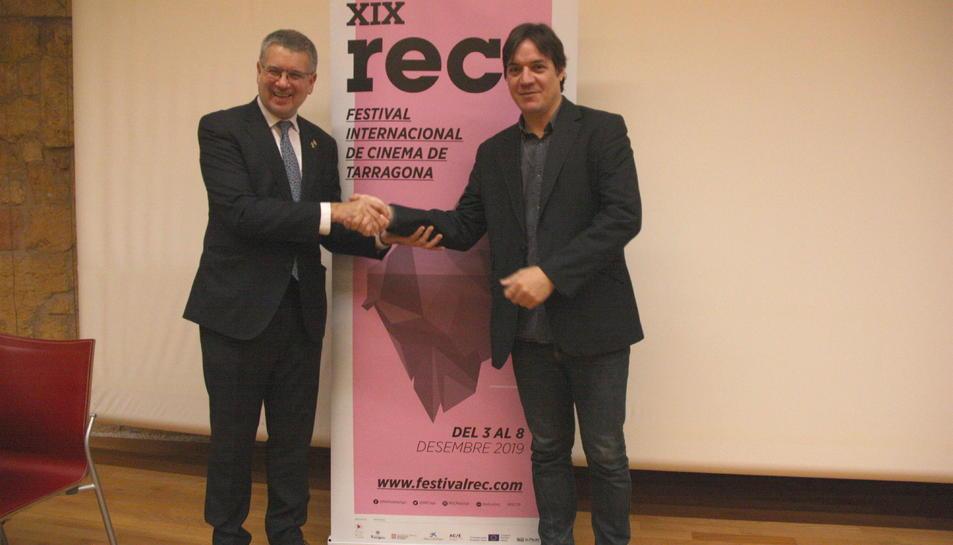 L'alcalde de Tarragona, Pau Ricomà, i del director del REC, Javier García Puerto, en la presentació del Festival REC 2019.