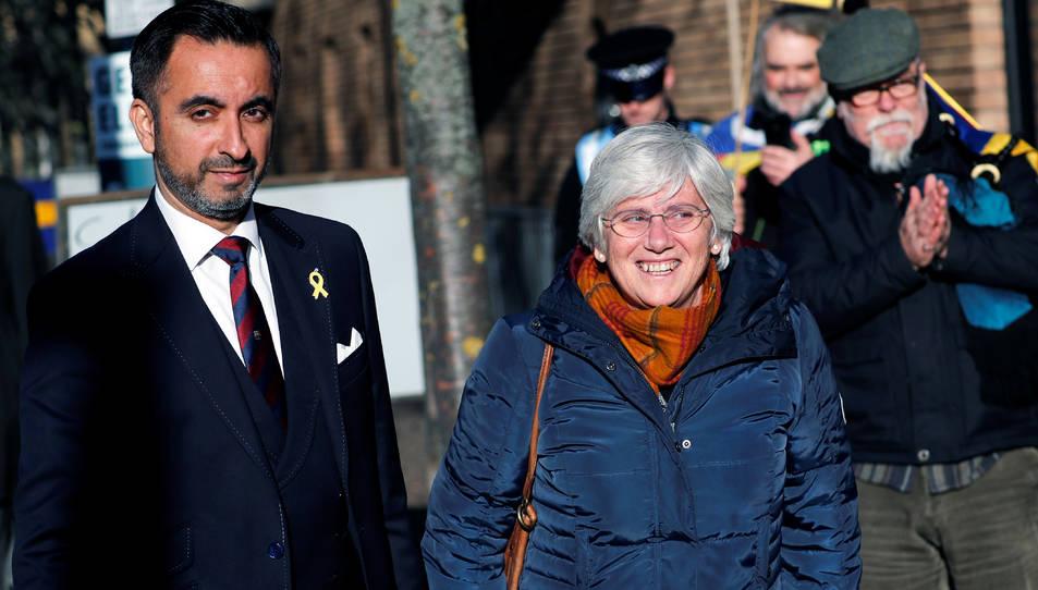 L'exconsellera d'Educació, Clara Ponsati, i l'advocat Aamer Anwar