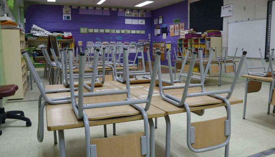 Imatge d'arxiu d'una aula buida