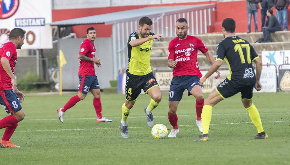 Tots dos equips ja s'han enfrontat en lliga on l'Olot va guanyar 2-1.