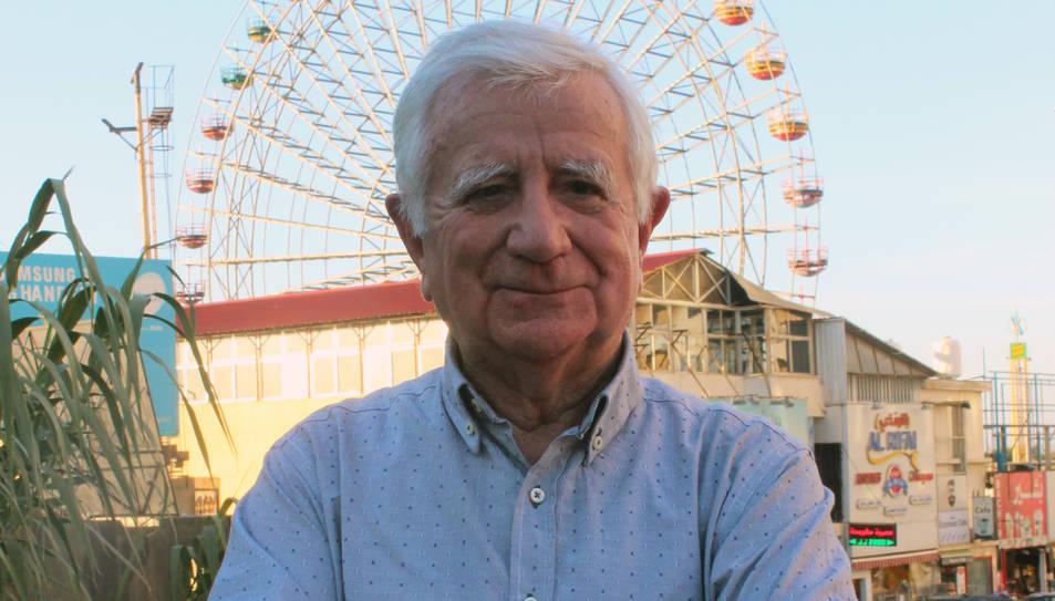 Tomás Alcoverro davant de la sínia de Beirut.