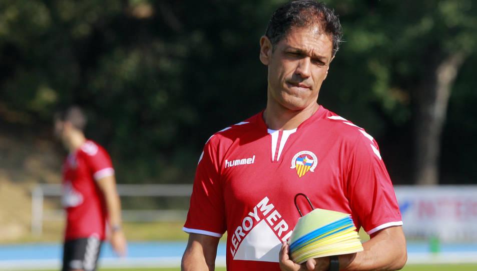 El tècnic va ser destituït la temporada passada del Sabadell per enfrontar-se a l'afició i pels mals resultats.