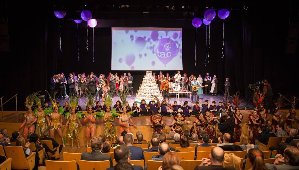 Dues comparses de Carnaval de Tarragona van participar-hi.