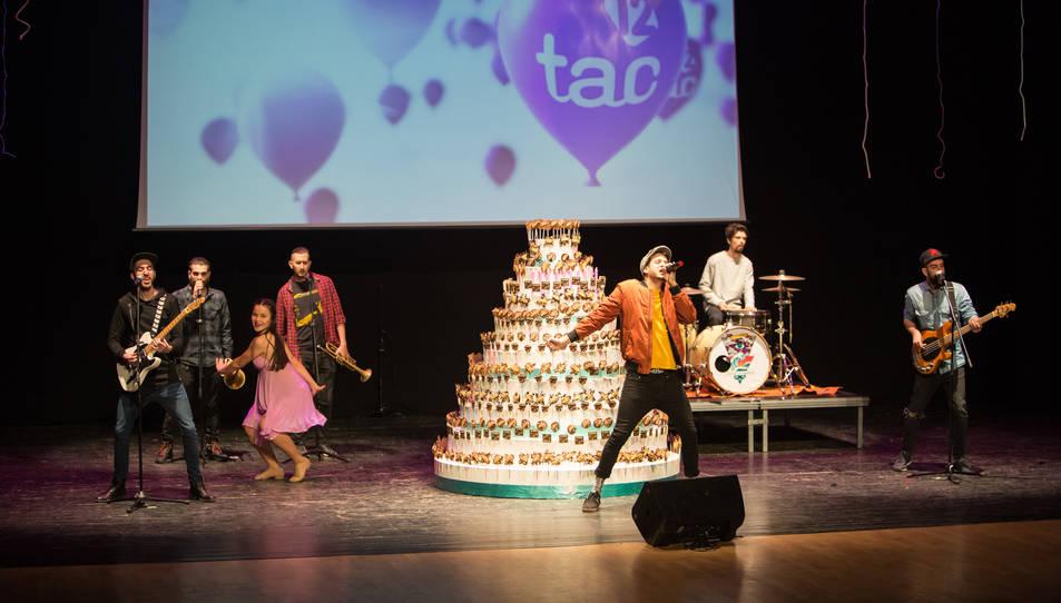 El grup Porto Bello va encarregar-se d'obrir la celebració.