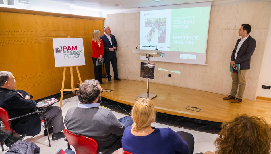 Noemí Llauradó, Carles Pellicer i Dani Rubio van presentar ahir el PAM.