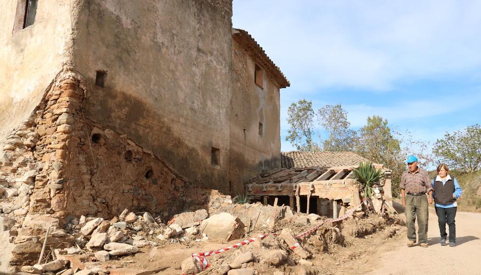 Els propietaris del molí de Guasch, a l'Espluga de Francolí, que presenta greus desperfectes pels aiguats.