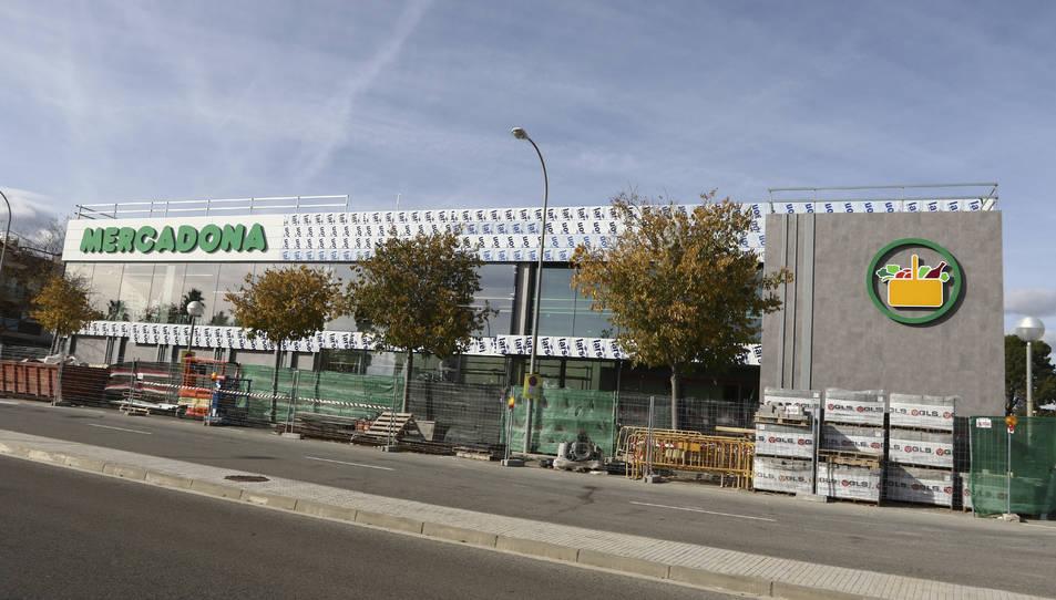 Exterior de la nova botiga Mercadona del vial del Cavet, a Vilafortuny (Cambrils).