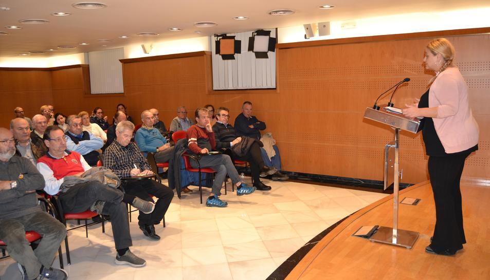Reunió Montserrat Caelles amb presidents d'associacions de veïns