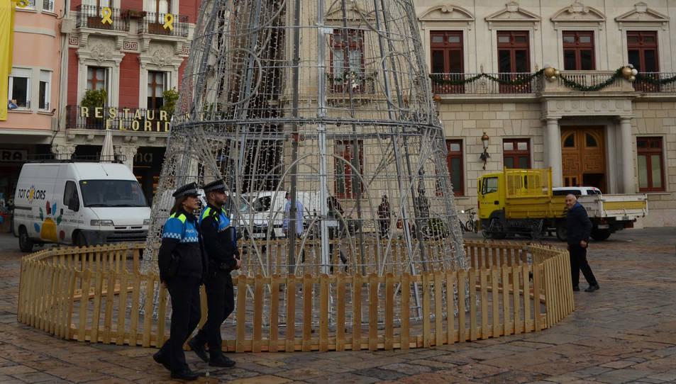 Imatge d'una patrulla de la Guardia Urbana durant la campanya de Nadal